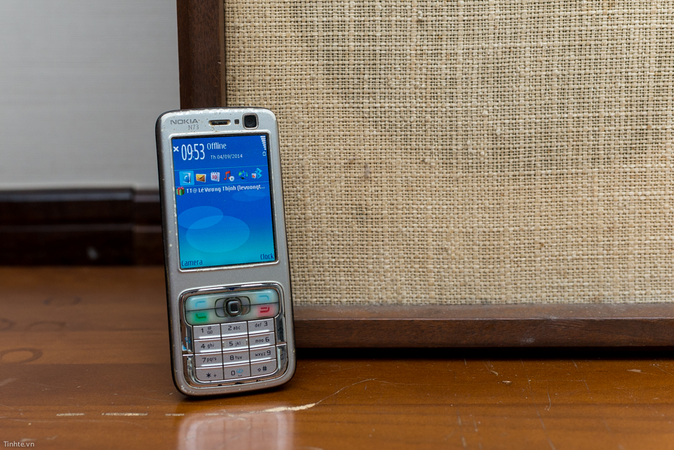 Trên tay điện thoại cổ: Nokia N73 dùng Symbian S60v3 vang